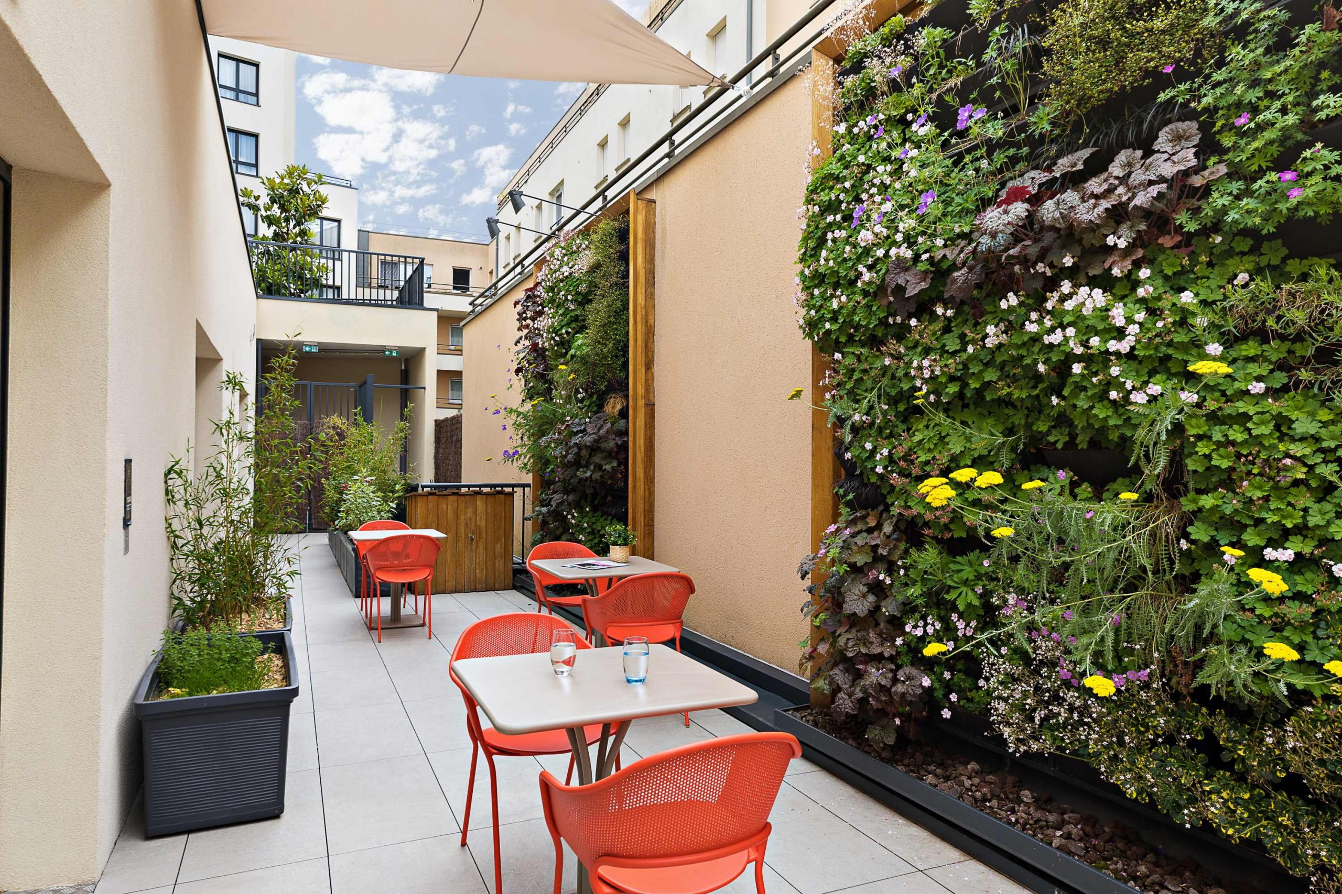 Résidence services seniors Nahoma La Calende Rouen terrasse végétalisée